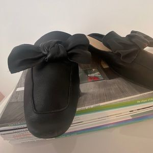 Black leather size 8 BP. mule with bow